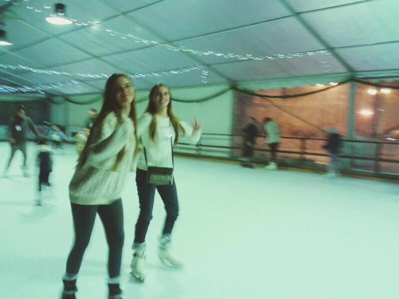 Sorelle Boni sul ghiaccio :3