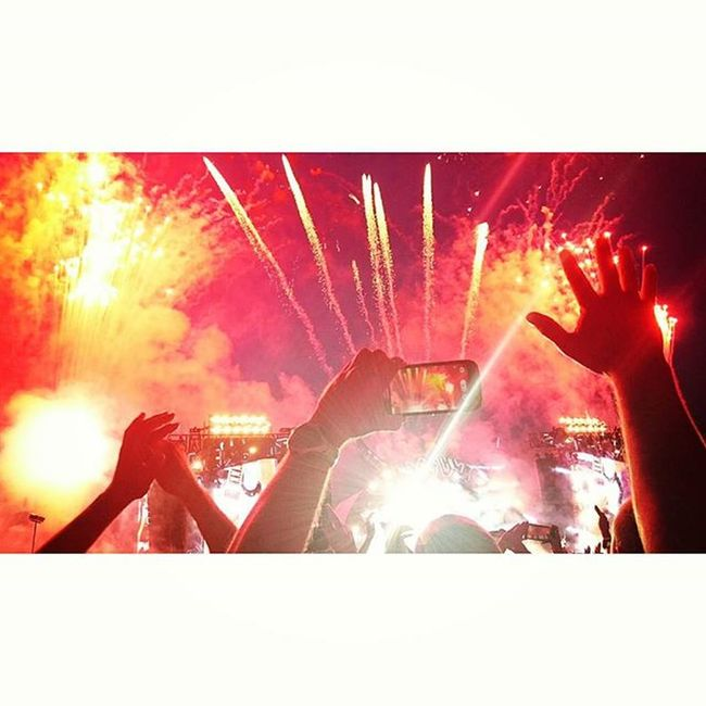 ACDC Oslo Norway Vallehovin Rockorbust Rockorbusttour Forthoseabouttorock Concert Firework Music Lifeincolors Oslobilder Oslove @acdc