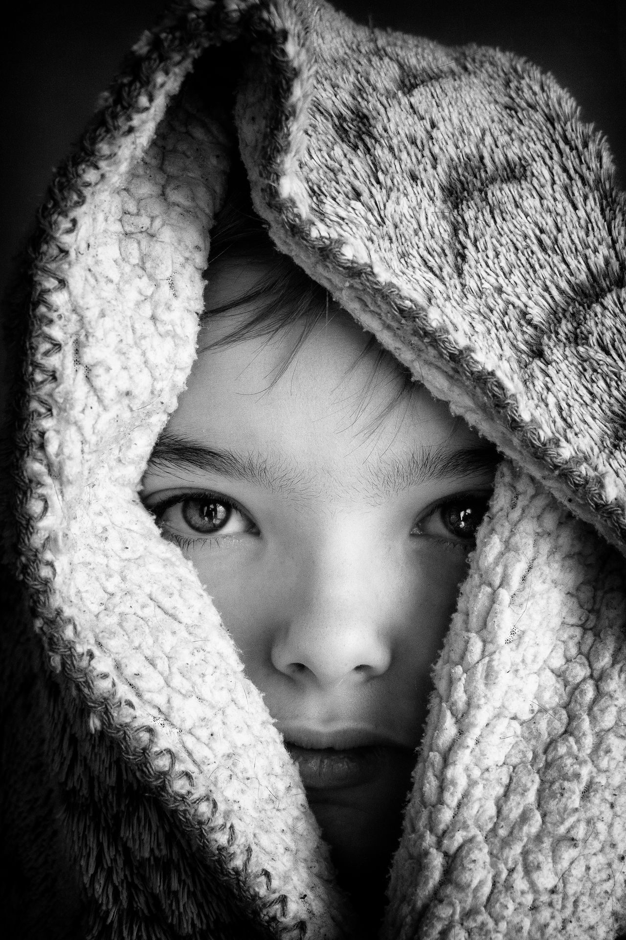 Anakin sous cape (ré-édit) #chidren Close-up Cold Temperature Headshot Human Face Indoors  Lifestyles Looking At Camera One Person Portrait Real People Scarf Warm Clothing Young Adult