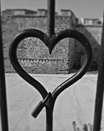 Metal Love Focus On Foreground City Architecture Photographer Popular Photography EyeEm ınstagram Photoshop❤ Popular Photos EyeEm Gallery Followme Photooftheday Follow4follow Eye4photography  Instagramer Day Love To Take Photos ❤ Lovephotography  Hearts♡hearts