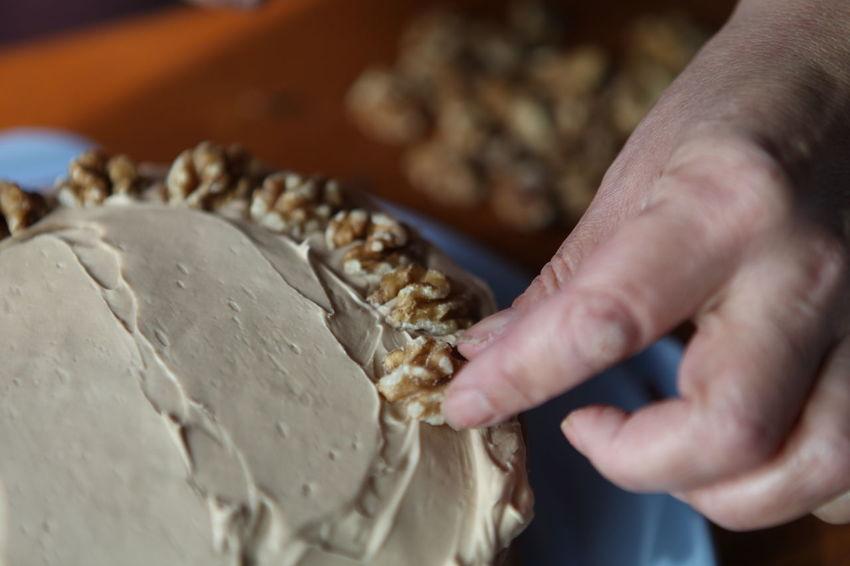Baked Goods Cakes Dessert Desserts Freshness Homemade Icing Sugar Bake Baked Bakery Baking Cake Cake Time Close-up Coffee Cake  Food Stories Indoors  Mixer Mixing Nus Sponge Spreading Sweet Food Treat