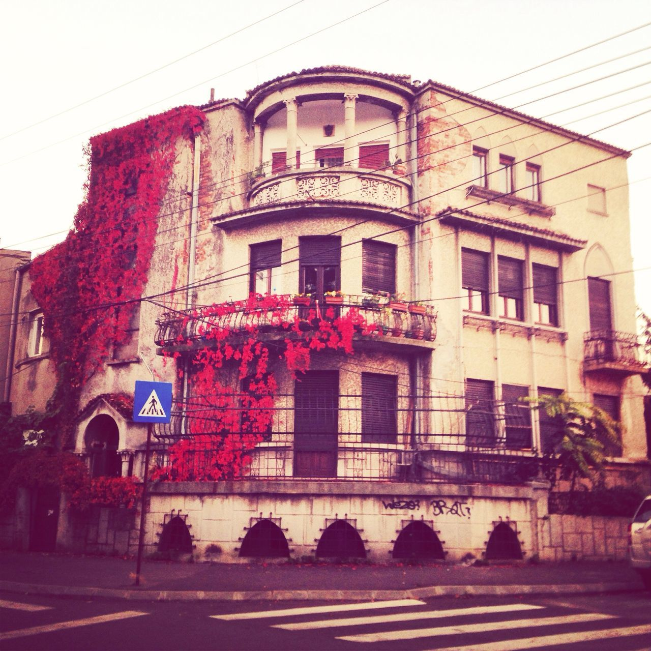 One of my fav residential Old Building  from Cotroceni area ❤️? Bucharest Architecture