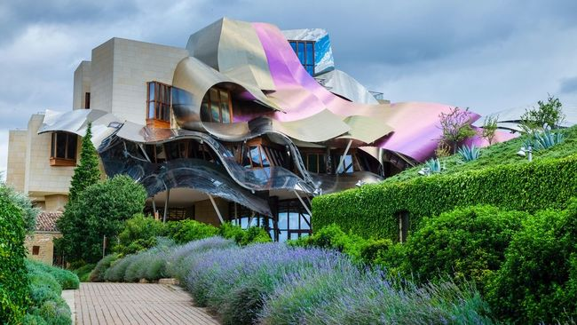 Bodega Marques de Riscal. The Architect - 2016 EyeEm Awards Bodega Architecture Modern Architecture Hotel Winery Marques De Riscal Wine Travel Photography Rioja SPAIN Frank Gehry