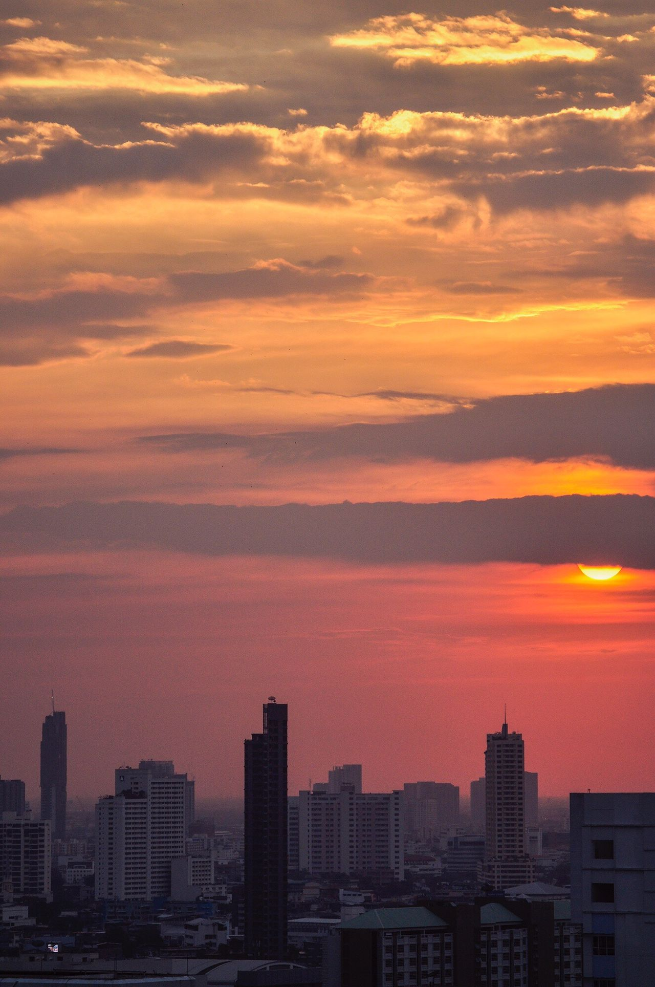 Sun is almost down Sunset City Cityscape Architecture Building Exterior Cloud - Sky Urban Skyline Sky Skyscraper Modern No People Outdoors Beauty In Nature