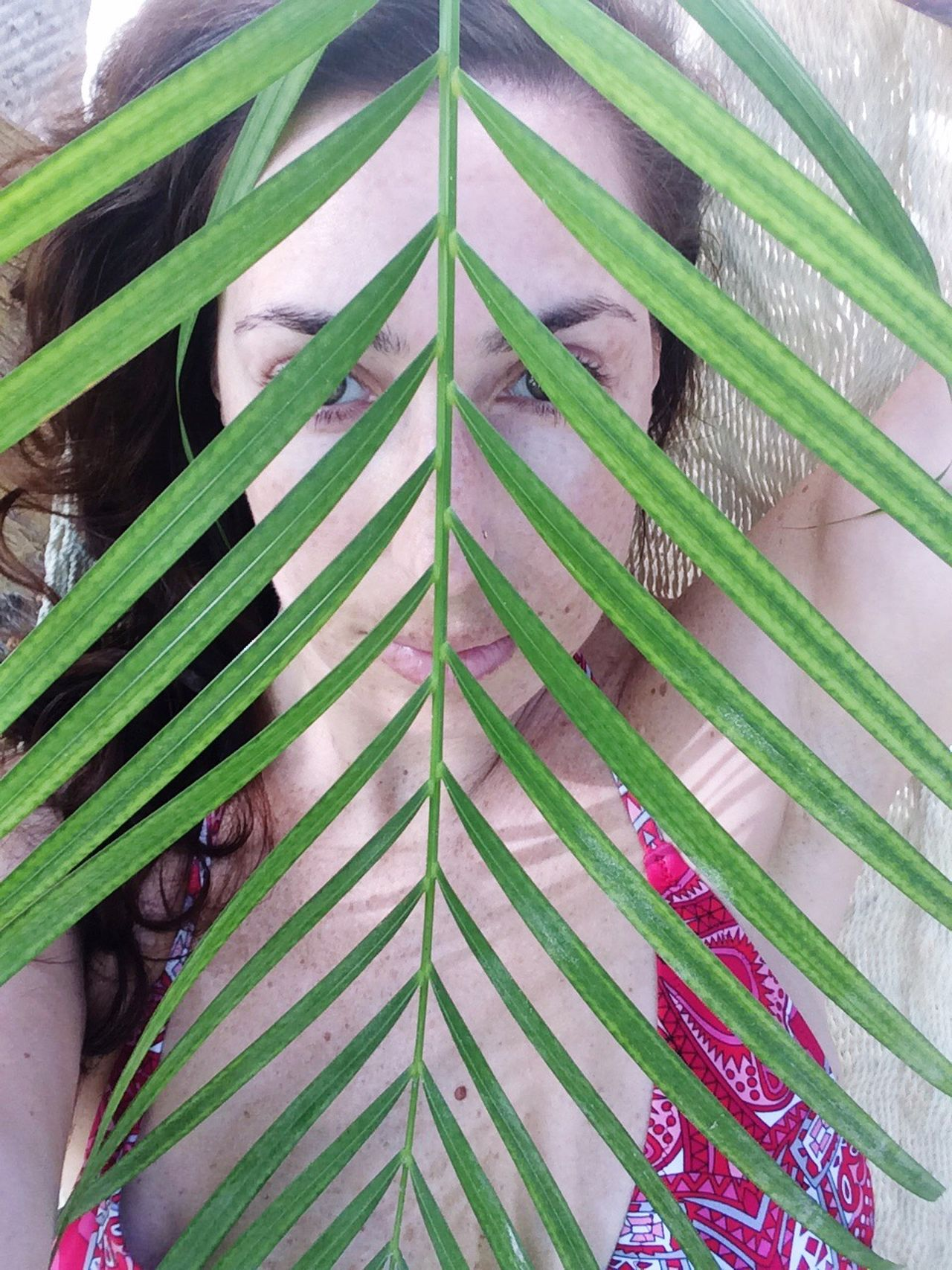 Pattern Leaf Green Color Close-up Palm Tree Leaf Photoart Beautiful Woman Woman Real People Outdoors Photography Photographyislifee Sexygirl Beach Hammock Face Faces Of Summer Faces In Nature FaceShot Model