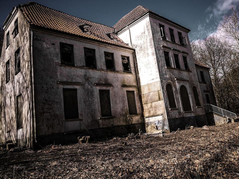 #abandoned  #abandonedhouse #horror #lonelyplanet #mystery #nopeople #orphan #orphanage #urban #urbanexploration