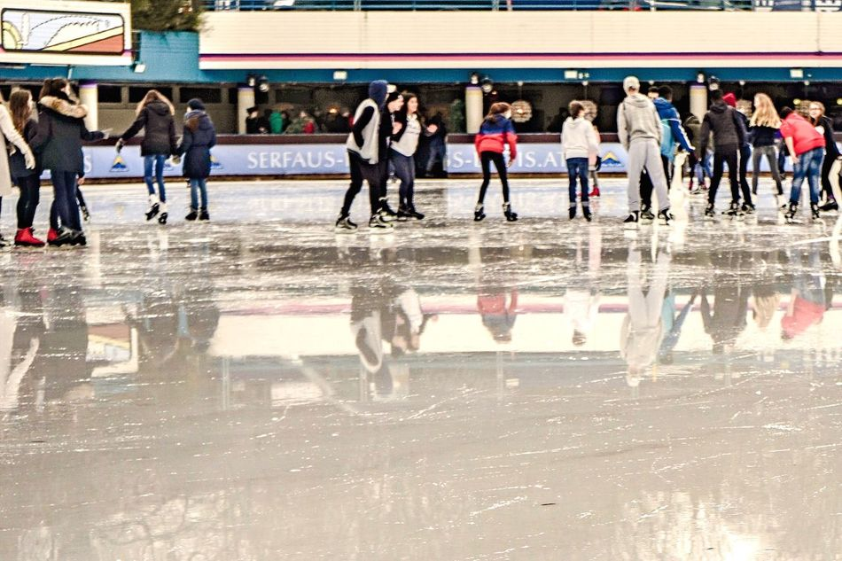 Ice Arena in Spring ✨ Large Group Of People Sport Real People Lifestyles Men Water Enjoyment Leisure Activity Competitive Sport Mixed Age Range Women Day Ice Arena Iceskating IceSkates Iceskating Shoes Iceskater Outdoors Competition Beach Friendship Athlete Togetherness Ice Rink