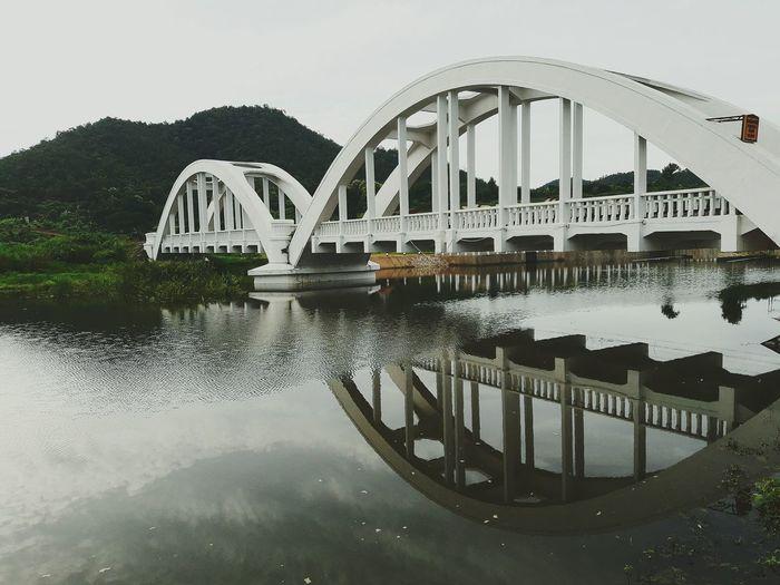 WHITE BRIDGE Supitchayass