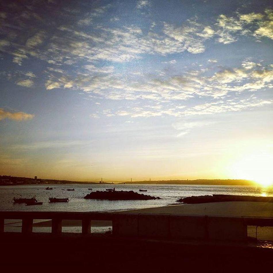 Bomdia Bluesky Ocean Cloudscape Landscape Sunrise Haveaniceday Marginal Blue Yellow Boat Water Sunnydayswillcome Happyday Portugalsemefeitos Portugal Goodmorning Laliphotography Life Enjoyit Follow4follow