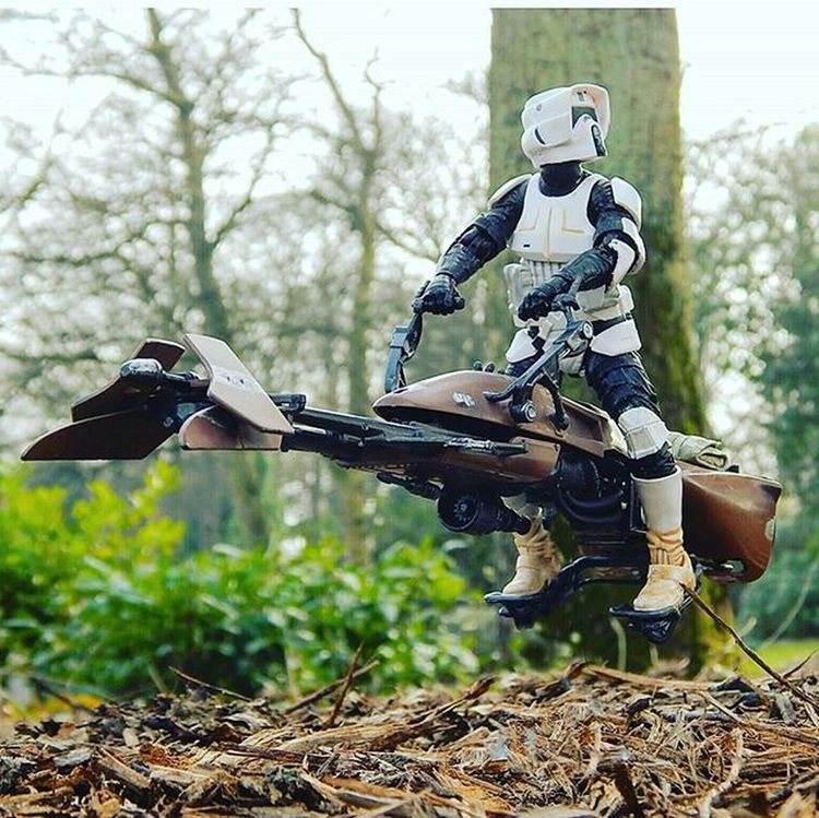 Scotty had reports of an Ewok disturbance in his sector, so far, nothing! Toptoyphotos Toydiscovery Toyoutsiders Afosw Toyark Toyphotography Toyoutsiders Starwars3lite Zifu_toys Rwt_imperialmarch Toycrewbuddies Toysaremydrug Toys4life Bikerscout Starwarsblackseries Scottythebikerscout