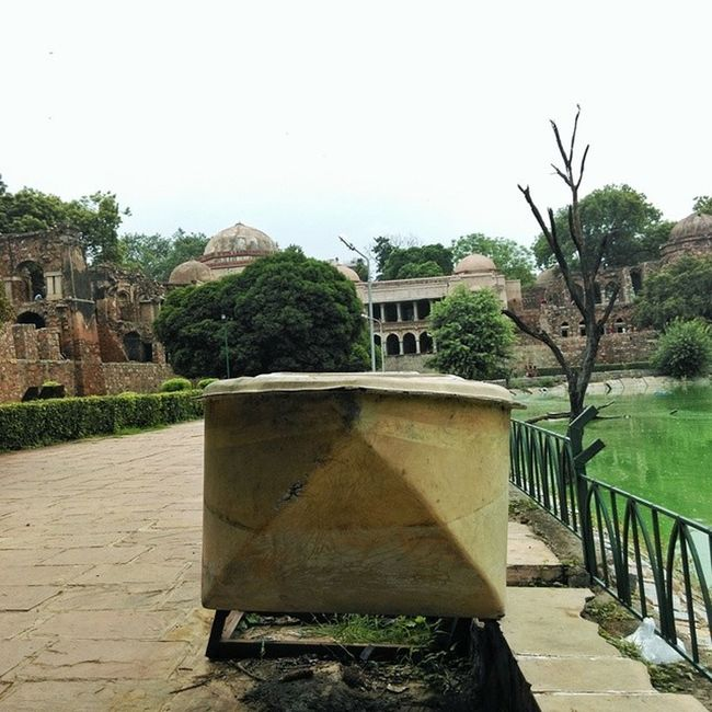 Hauzkhas Village Sirifort Newdelhi Monuments Wrecked Boat Shades Lake