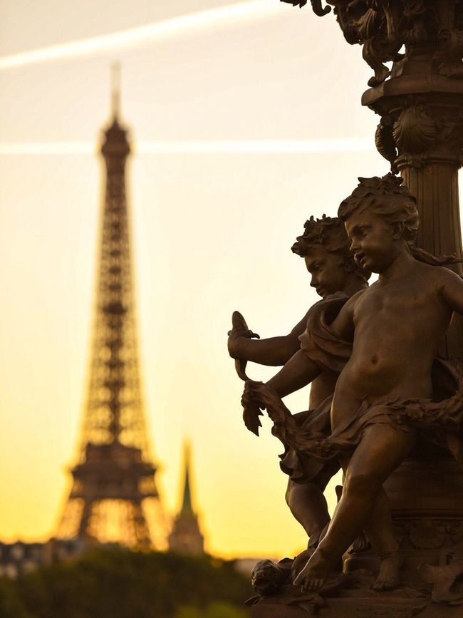 Bonsoir Paris! Good Evening Paris Statue Sky Photooftheday EyeEm Best Shots Paris Parisweloveyou Paris ❤ Sunset_collection Sunset