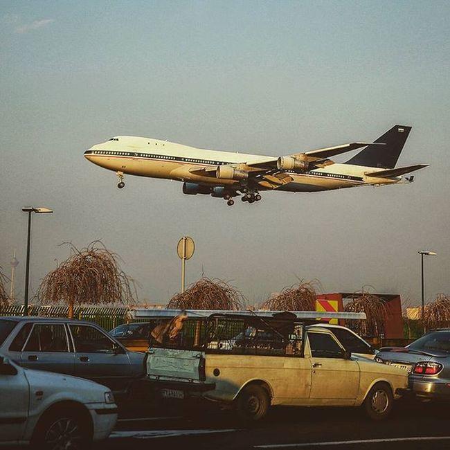 FATH street, TEHRAN, IRAN. Mehrabadairport Airport Landing Roozdaily Gettyimages Streetart Streetphotography2015 Airplane Photojournalism Moment Worldbestshot Intresting Instamessage Instagold Instagram Passenger Bestshot