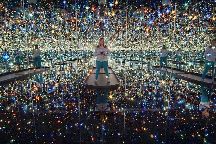 Celebration City Night Spirituality Illuminated Art Gallery Art Installation Art Museum Hirshhorn  National Mall, Washington, DC Exhibit  Art Exhibit Kusama Yayoi Kusama Yayoi Kusama YayoiKusama Infinity ∞ Infinity Infinity Room Stars