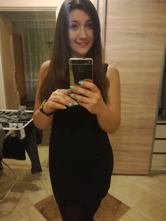Young Adult Long Hair Red Lips Beauty Lovely Cheese! Happy Time Eveningtime Party Time!! Today's Hot Look Me! Check This Out Hello World Sexygirl Xoxo Polishgirl That's Me Selfie ✌ Model People Selfie Smile Girl Enjoying Life Hi!