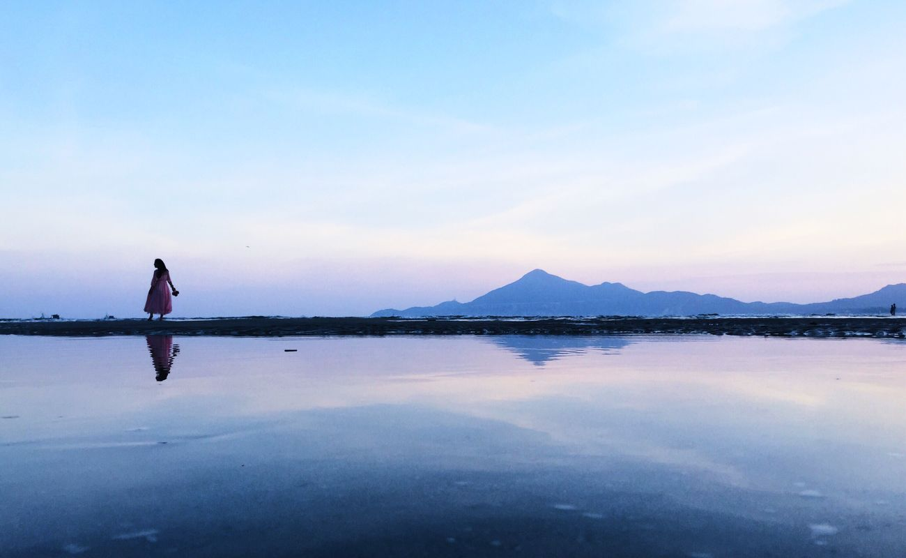 DONGSHAN ISLAND- 旅志 Reflection Water Standing Water Tranquil Scene Scenics Lake Calm Mountain Beauty In Nature Full Length Sky Idyllic Waterfront Nature Solitude Remote Outdoors Blue Vacations