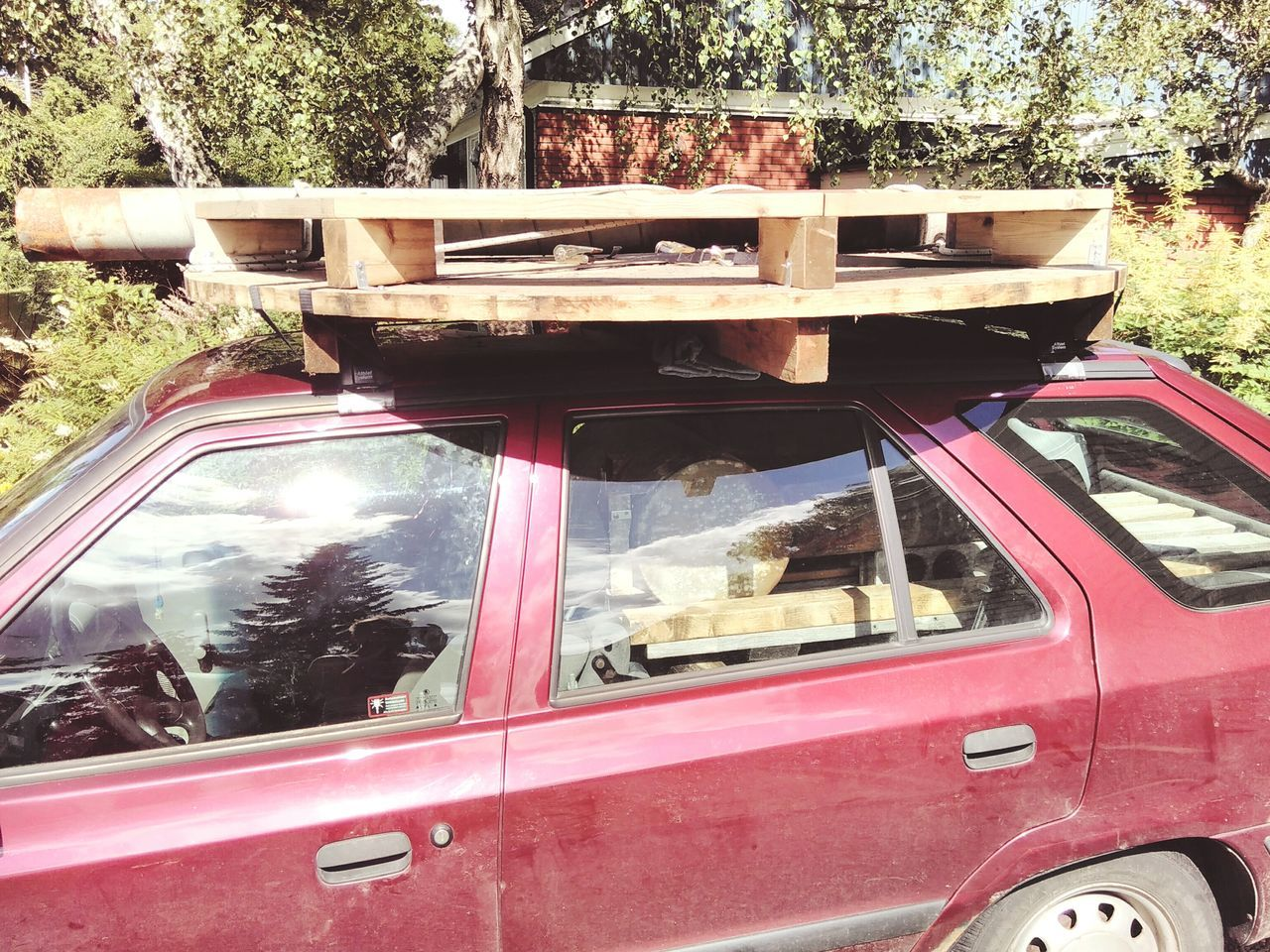 Meinautomoment Meinautomoment Car Fully Loaded Transportation Transport Logistics Roadtrip Roof Rack Red Summer Adventure Time Wood