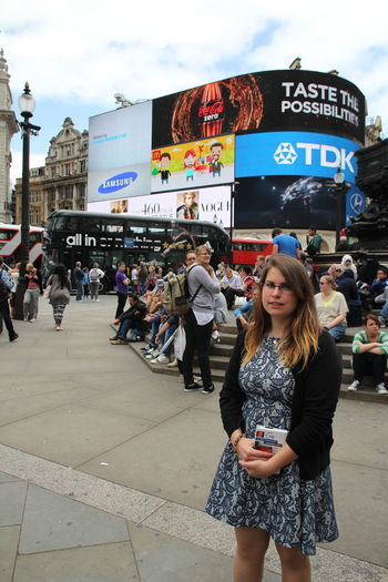 Picadilly Circus Picadillycircus Girlfriend Being A Tourist