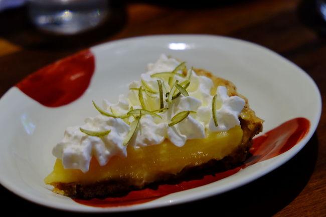 台北、迪化街のカフェにて Cafe Cake Dihuastreet Food Fujifilm Fujifilm X-E2 Fujifilm_xseries Meal Ready-to-eat Served Sweets Taipei Taiwan Travel Photography XF18-55mm カフェ ケーキ 台北 台湾 台湾旅行 臺北 臺灣 迪化街