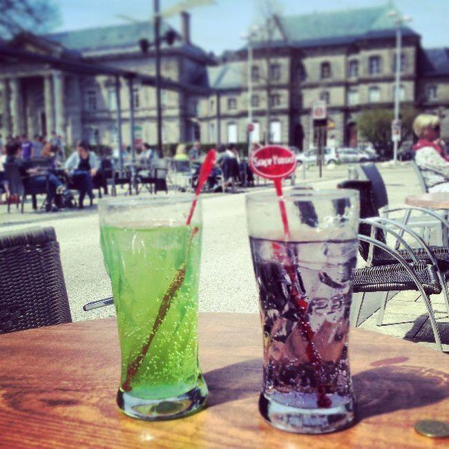 Cafe Aurillac En Amoureux  au soleil été chaleur