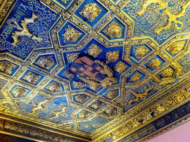 La Aljafería Islam Blue Gold SPAIN Mudéjar Zaragoza Art Taking Photos Palace