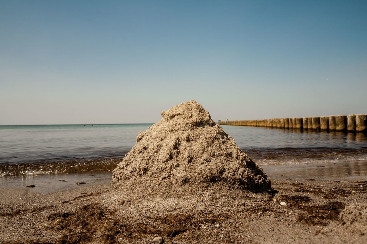 Sandpyramide Baltic Sea Beach Beauty In Nature Clear Sky Day Fischland Horizon Over Water Nature No People Ostsee Outdoors Pyramid Sand Sand & Sea Scenics Sea Sky Tranquility Water