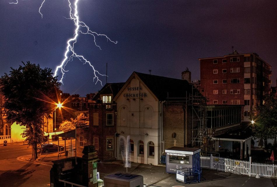 Beautiful stock photos of lightning, Absence, Architecture, Bad Weather, Building Exterior