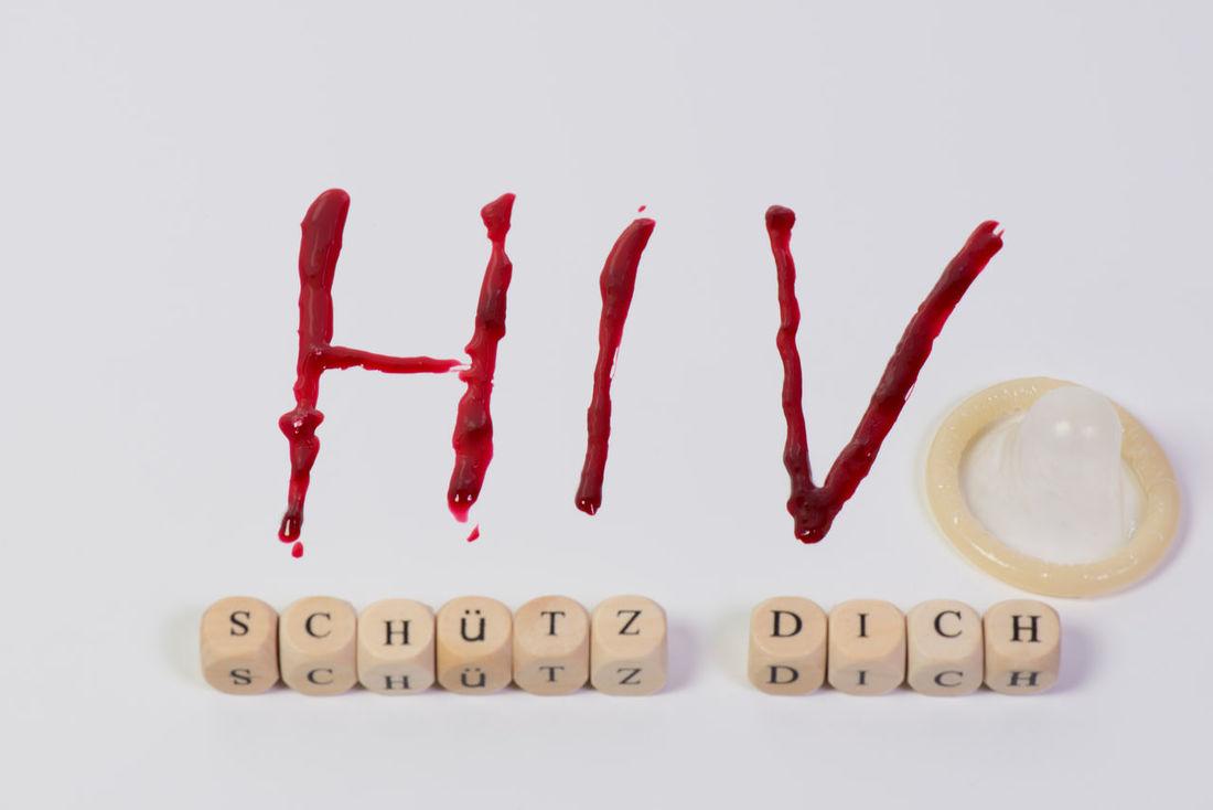 the diagnosis of AIDS HIV disease Aids Awareness Disease Gender Geschlechtsverkehr Health Healthy Hiv HIV Infection HIV-Infektion Immundefekt Immunodeficiency Immunschwäche Isolated Medical Care Shelter Spritze Viral