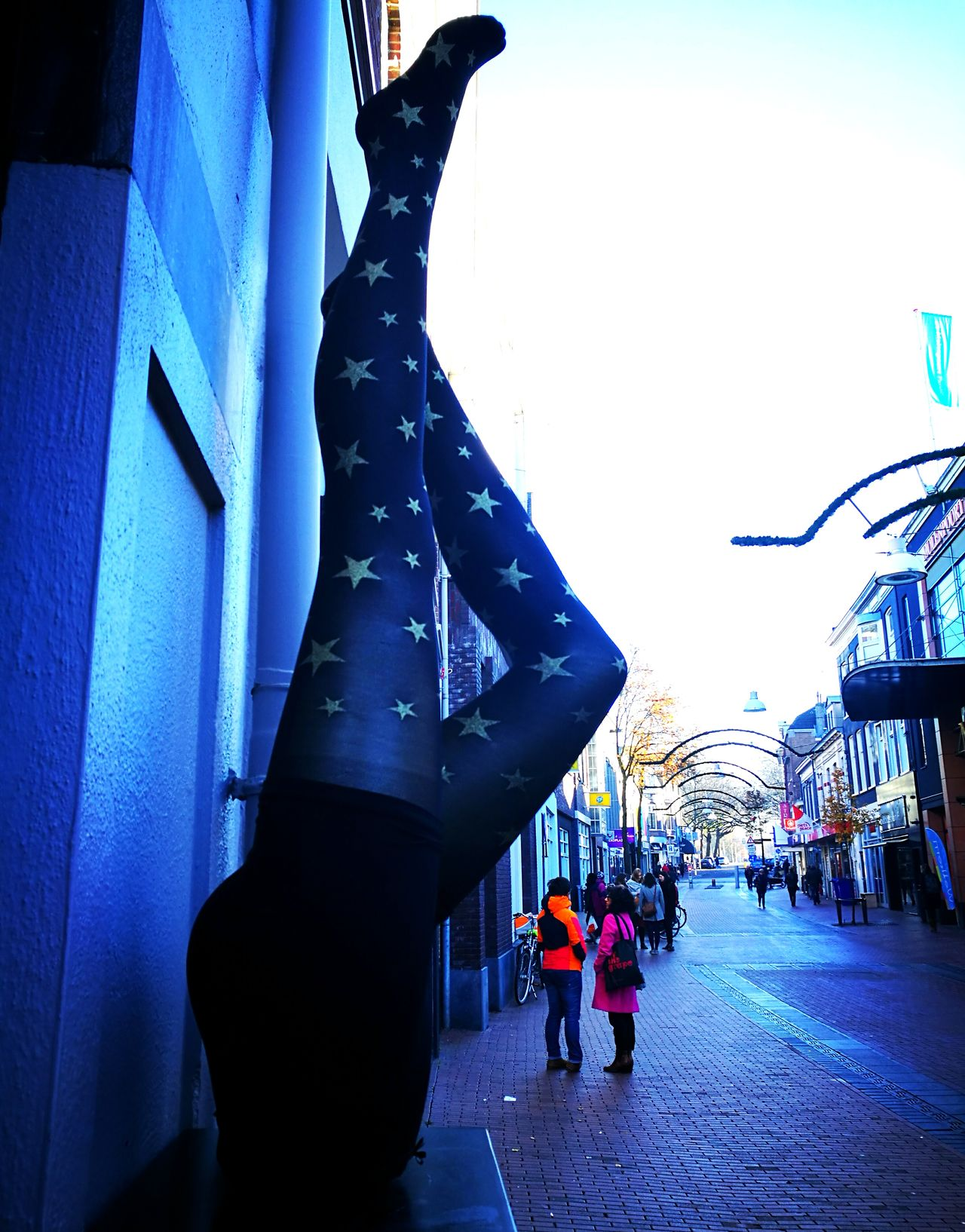Enjoy The New Normal Exploring Style City People Outdoors Cold Temperature Stars Collants Collants Black Mini Skirt Upside Down Legs Human Body Part My Year My View TakeoverMusic Finding New Frontiers The City Light