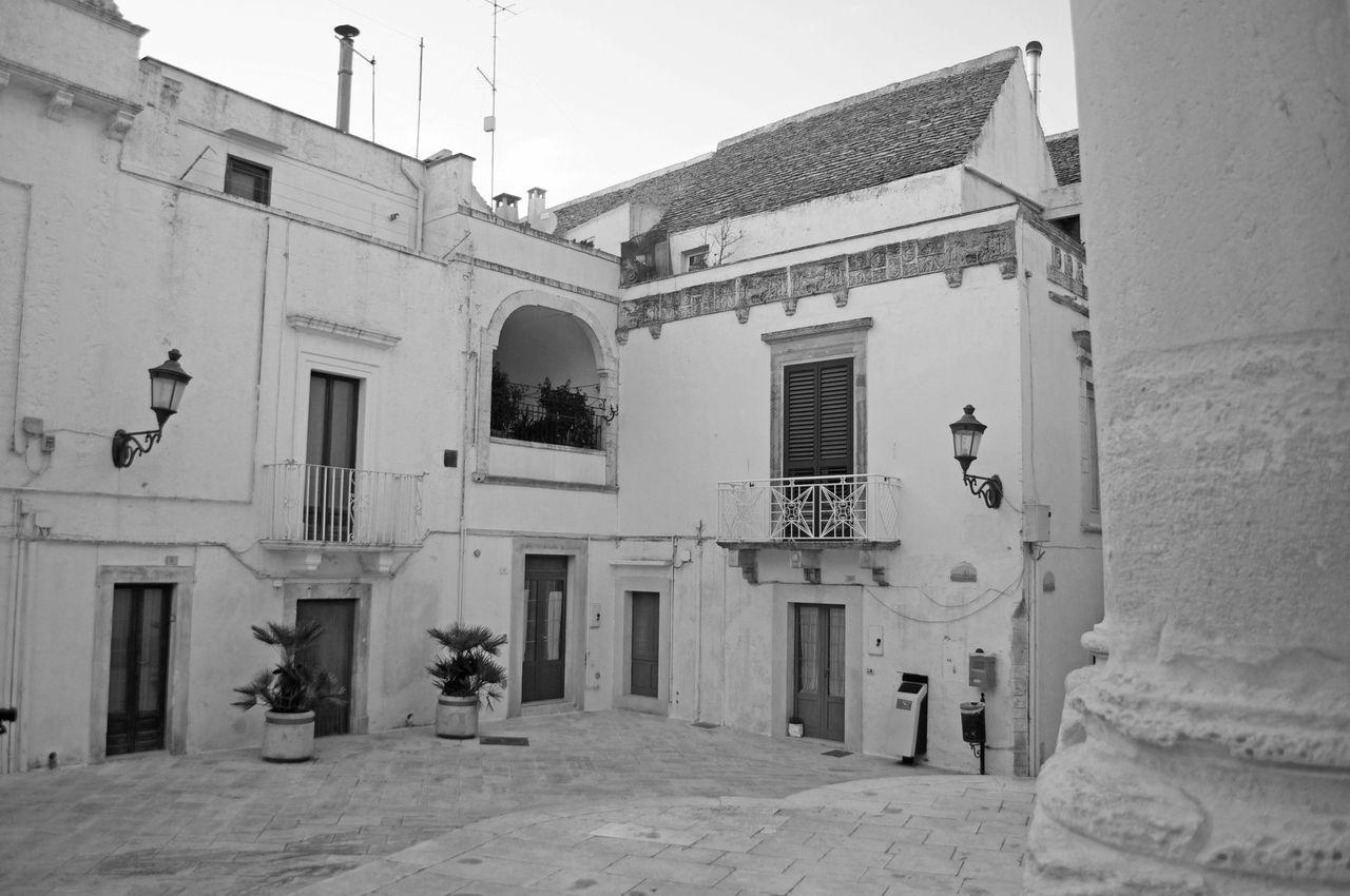 Bianco Case Houses Locorotondo Piazza Place Puglia White