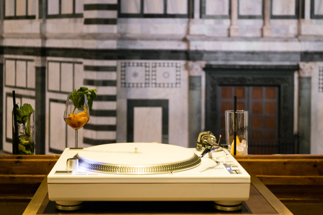 Architecture Bar Building Exterior Built Structure Close-up Day Drinks Historical Monuments Nightlife No People Old And New Outdoors Record Player Table Turn Table Window