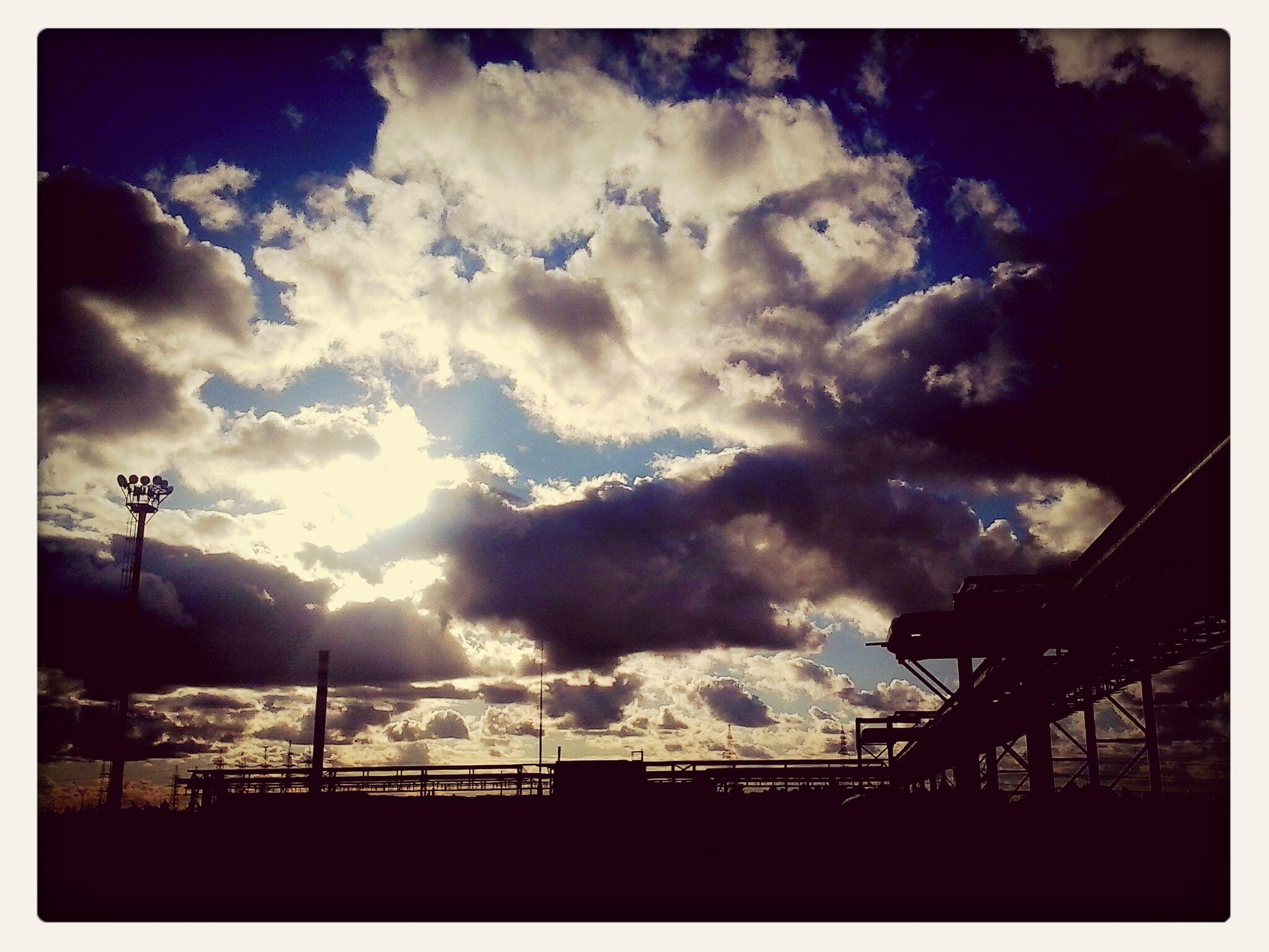 вечерняяпора. облака красота завод Factory #awesome