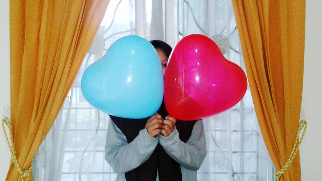 your frue friend Balloon Person One Person Celebration Business Helium Balloon One Man Only Fragility People Horizontal Adult Indoors  Day Only Men Helium First Eyeem Photo