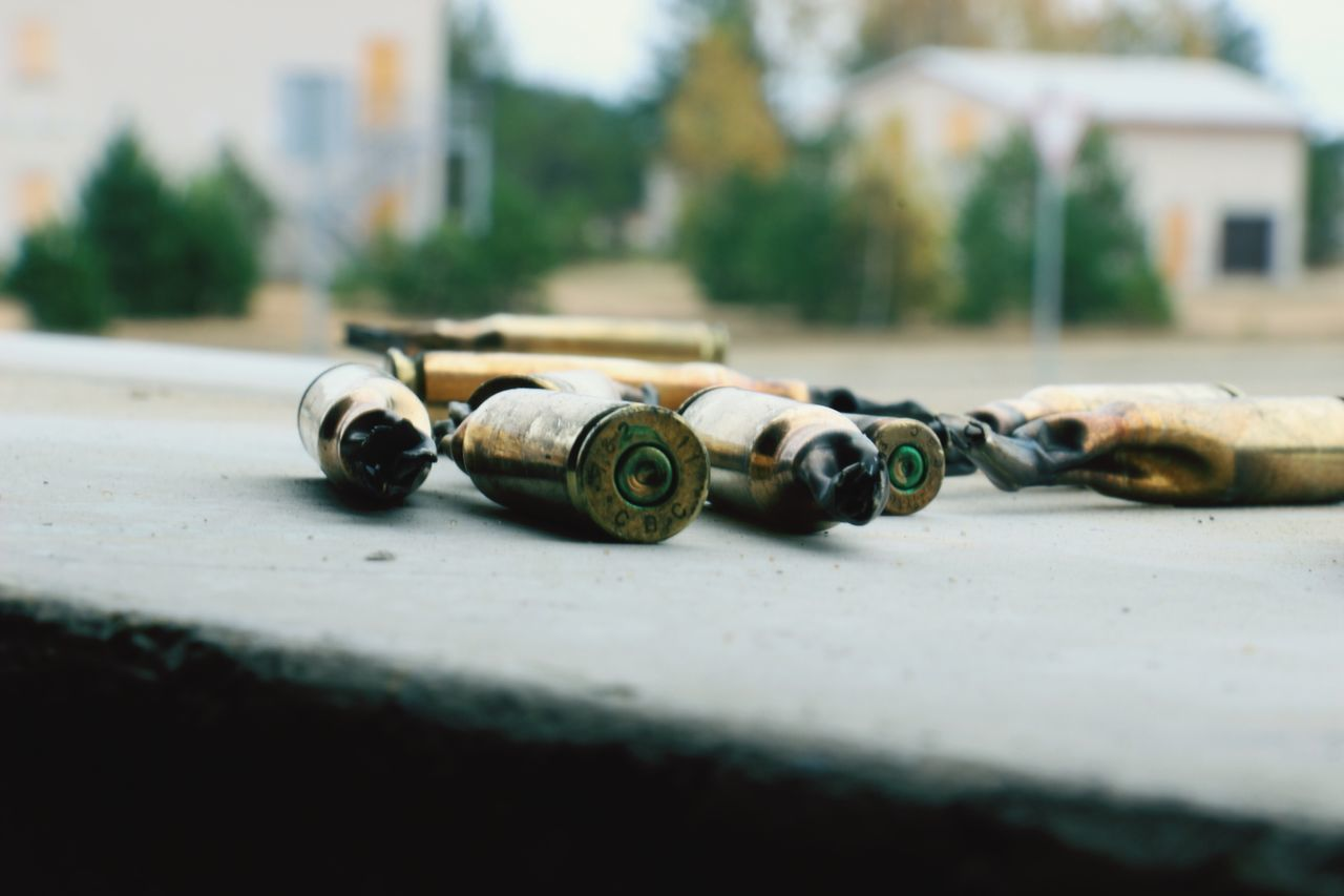Close-up No People Building Exterior Day Outdoors Bullets Blankammo Fake Bullets Photooftheday Military Army Life Window No Filter, No Edit, Just Photography Photography Photoofday