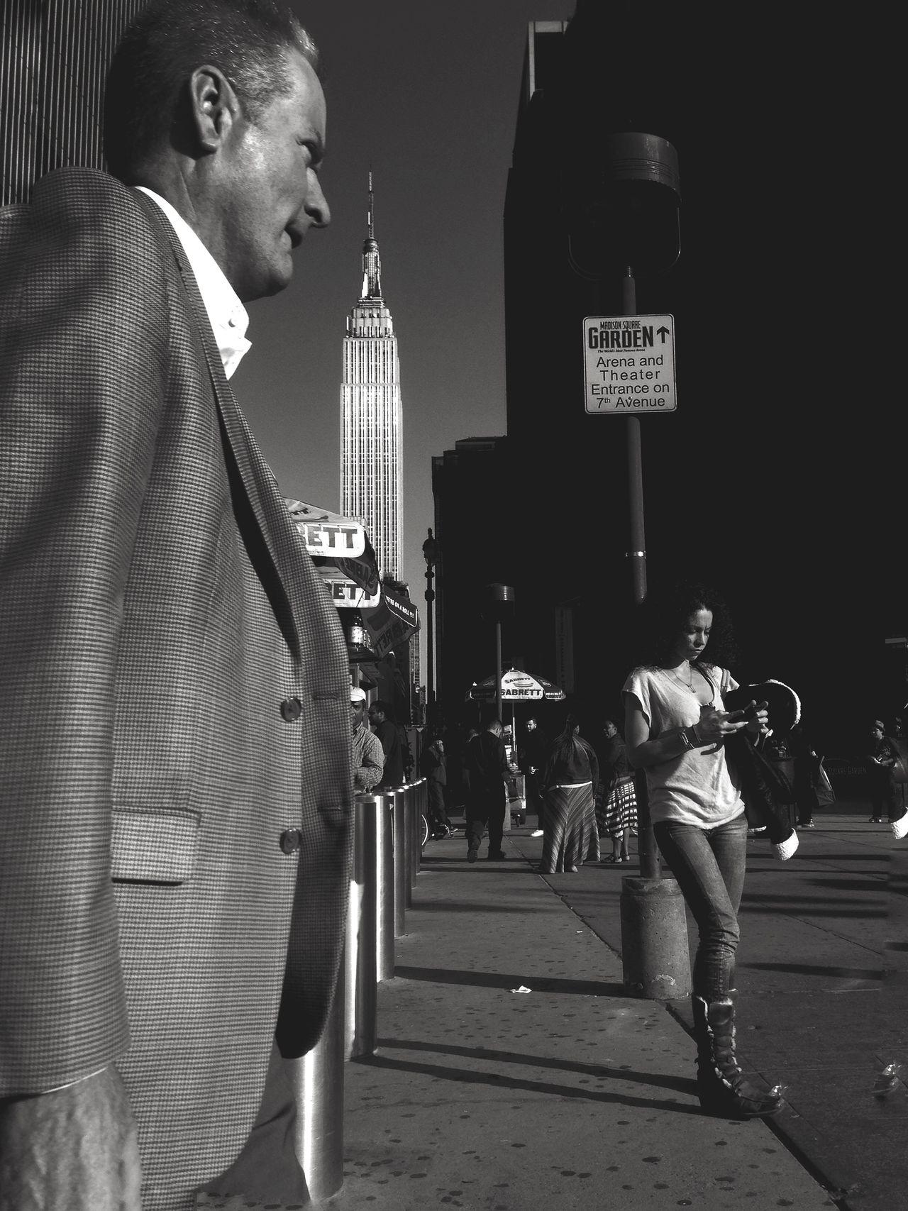 West 34th Street Black And White Photography EyeEm Best Shots - Black + White EyeEmBestPics Blackandwhite Photography Hipstamatic The Street Photographer - 2015 EyeEm Awards Black & White New York ❤ Streetphotography Street Protography
