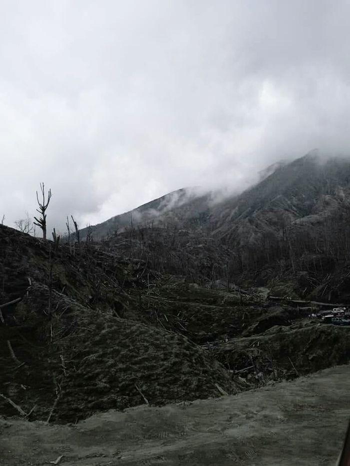Costa Rica 🇨🇷 Volcan Turrialba Erupción Ceniza