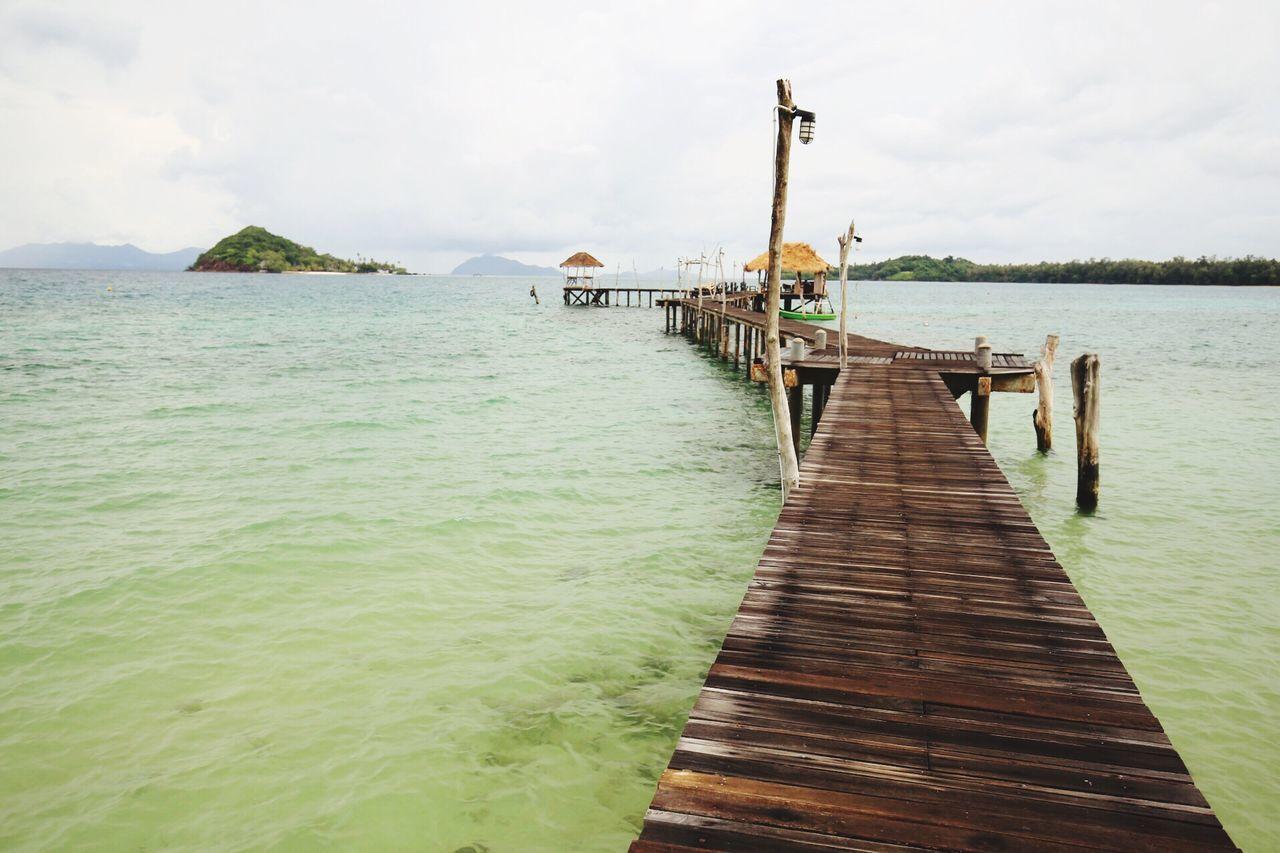 Holiday เกาะหมาก Beach Thailand