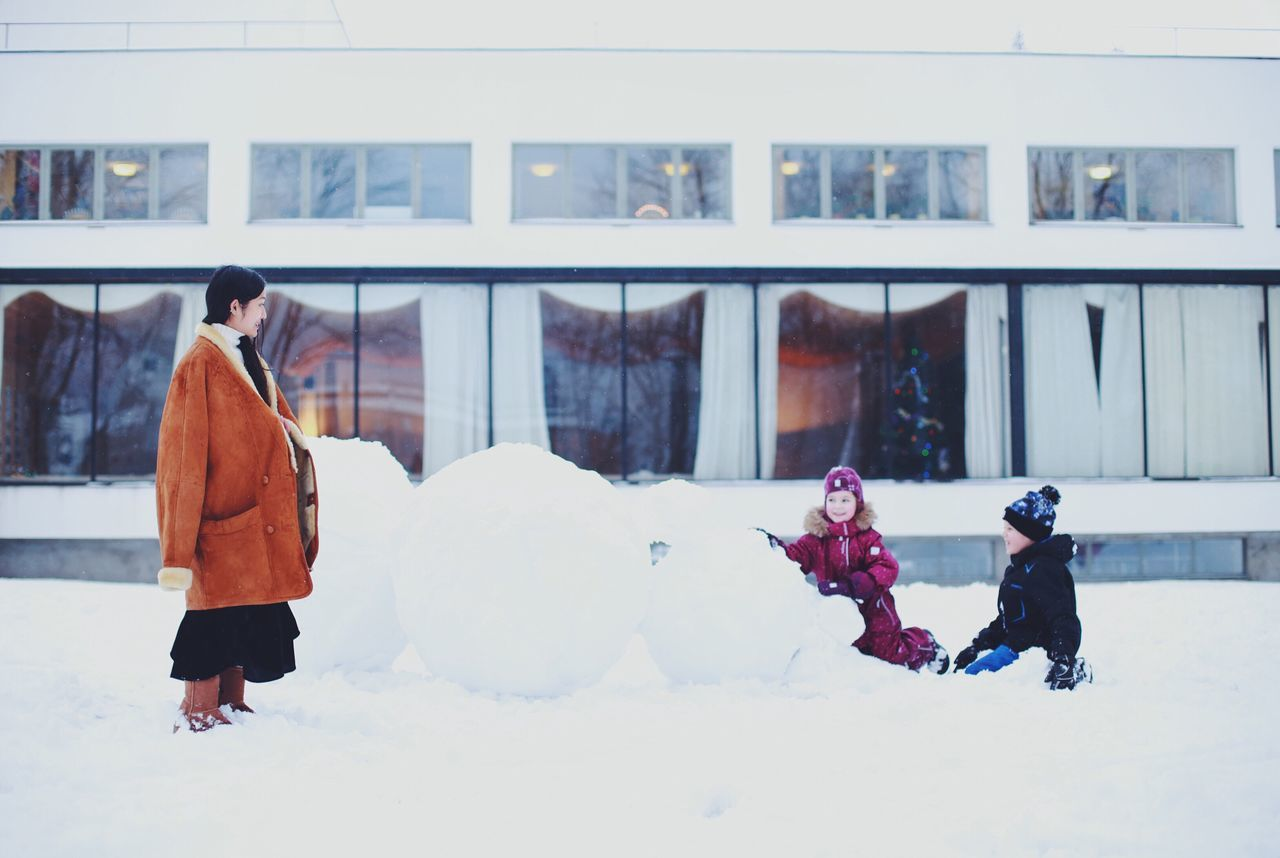 Beautiful stock photos of schneemann, winter, cold temperature, snow, real people