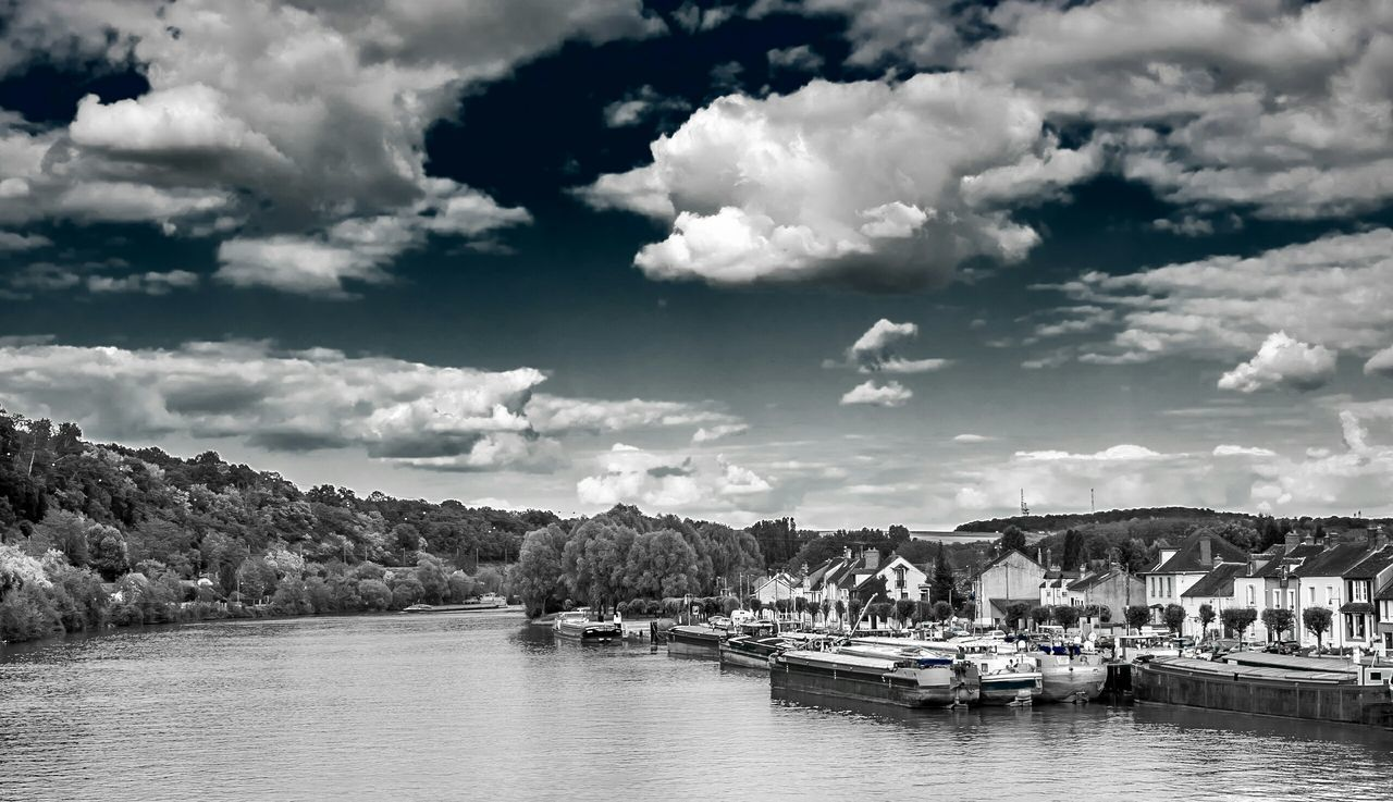 France Saint Mammės Riverside Village Landscape Eye Em Nature Lover Black And White Monochrome