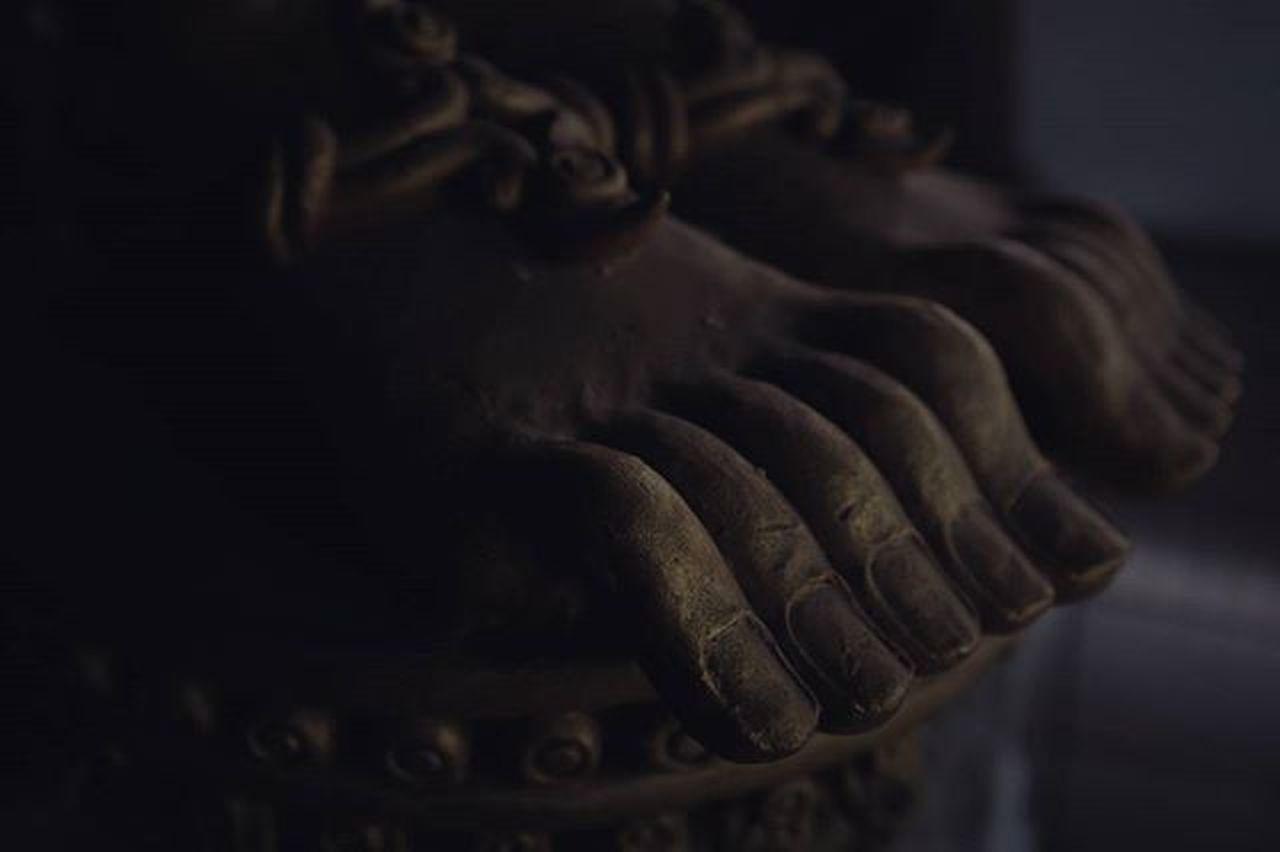 The Ground Beneath HerFeet│Chiang Mai│2015.12.26 チェンマイ滞在中の方とお会いしたい Thai Chiangmai Ig_life 一人旅 写真好きな人と繋がりたい 散歩 Asian  Travel 沈潜 チェンマイ Temple X100S Spotted In Thailand