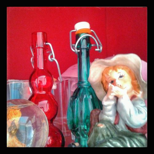 """""""Don't ask HeEm why"""". Tom Sawyer Glass Bottles Glass Figurines  Monello Smoker Snowball Objects Kitschy Red and Green Smartphone Photography S3mini Camerazoomfx HDR shooting mode Snapseed"""