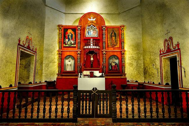 Texashillcountry Chapel Curch Spanish Arquitecture Spanish Mission Historical Building Mission Espiritus Santos