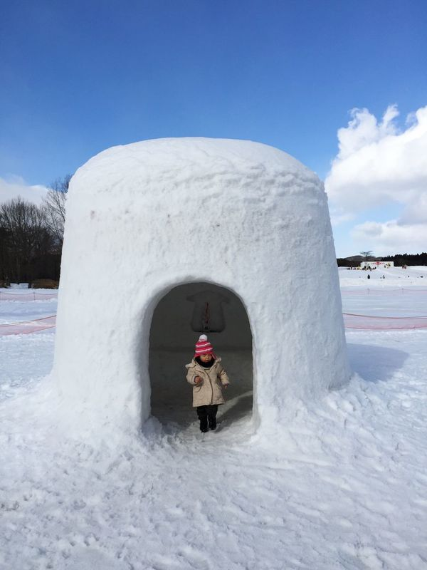 A little girl in a snow house. Winter Snow White Color Children Playing Japan Tohoku Discover Your City Travel Check This Out Winter Iwate Tadaa Community Japanese Culture Miles Away Snowsculpture かまくら Traveling Winterwonderland Snow Sculpture Snowsculptures