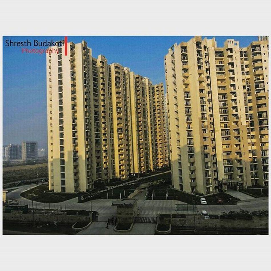 Building Build BIG Beautiful Click Camera DSLR Photgraphy Town City Noida Flats Sky Blue Apartments Love Lfl Like Fff Like4like Doubletap Ig Me Insta Instagram follow f followme photgraphy photographer