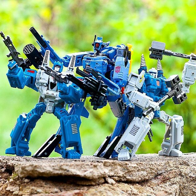 Wreckers: Topspin, TwinTwist & Whirl Whirl TwinTwist Topspin Wrecker Transformers Transformerstoys Actionfigures Actionfigurecollections Toys Toy Toystagram Toycollector Toycommunity Toyphotography Cybertron MoreThanMeetsTheEye Robotsindisguise Robots Toycollectors Plastic_crack_addicts
