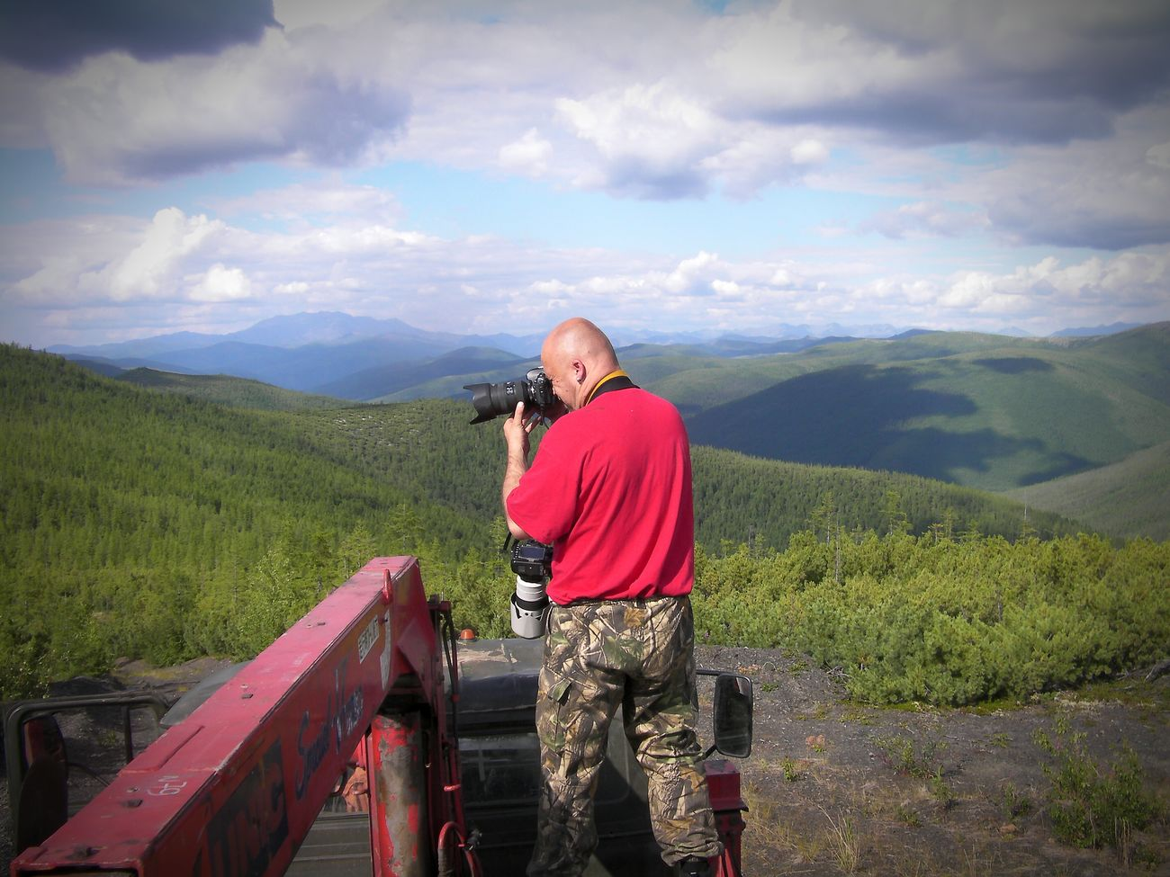 The Adventure Handbook Yakutia Ynykchan Landscape Taking Photo Nature TripEnjoying Life Mountains Photographer Truck