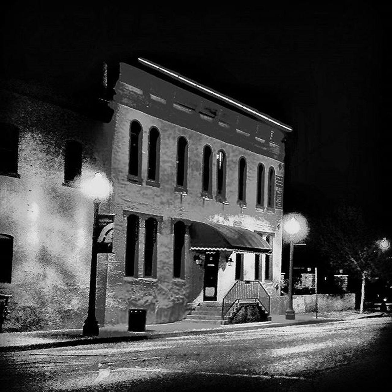River House again at night....... Ks_pride Atchison Wow_america_bnw World_bnw Trb_bnw Nightphotos Nightphotography Nighttimebnw Bnw_night