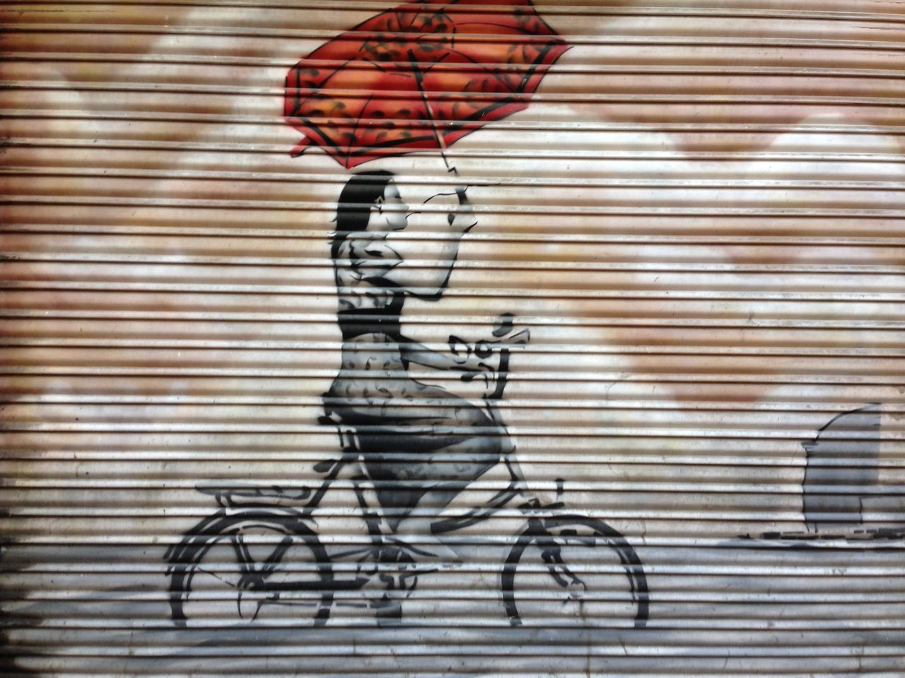 Architecture Barça Bike Bikes Black And White Day G Girl On Bik Graffiti One Girl Cyclin One Girl Cycling One Person Outdoor Outdoors Pain Parasol Red Umbrella Relaxing Shutter Shutter Pain V