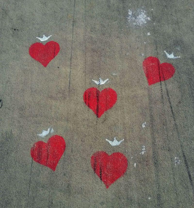 Herzen vor der Haustür. Graffiti Hearts Bridge Cologne