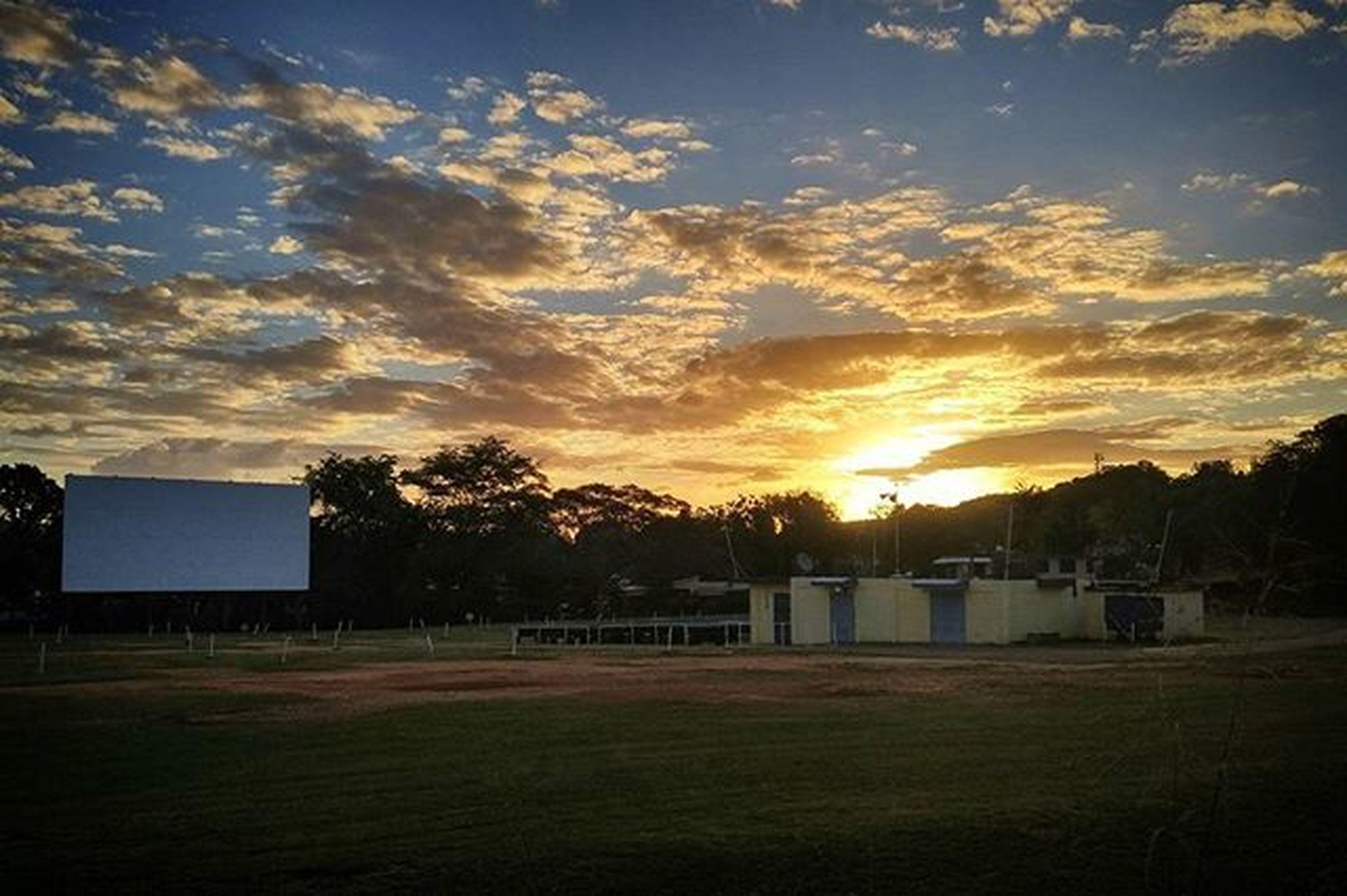 Un día nuevo Puertorico Morning Cinepr